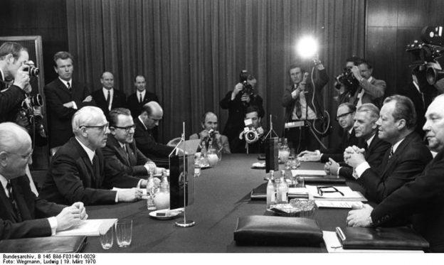 Bundeskanzler Willy Brandt in Erfurt vom 19.-20.3.1970 Gespräch im Hotel Erfurter Hof